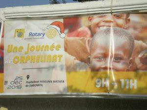 Des dons pour un orphelinat en Guinée