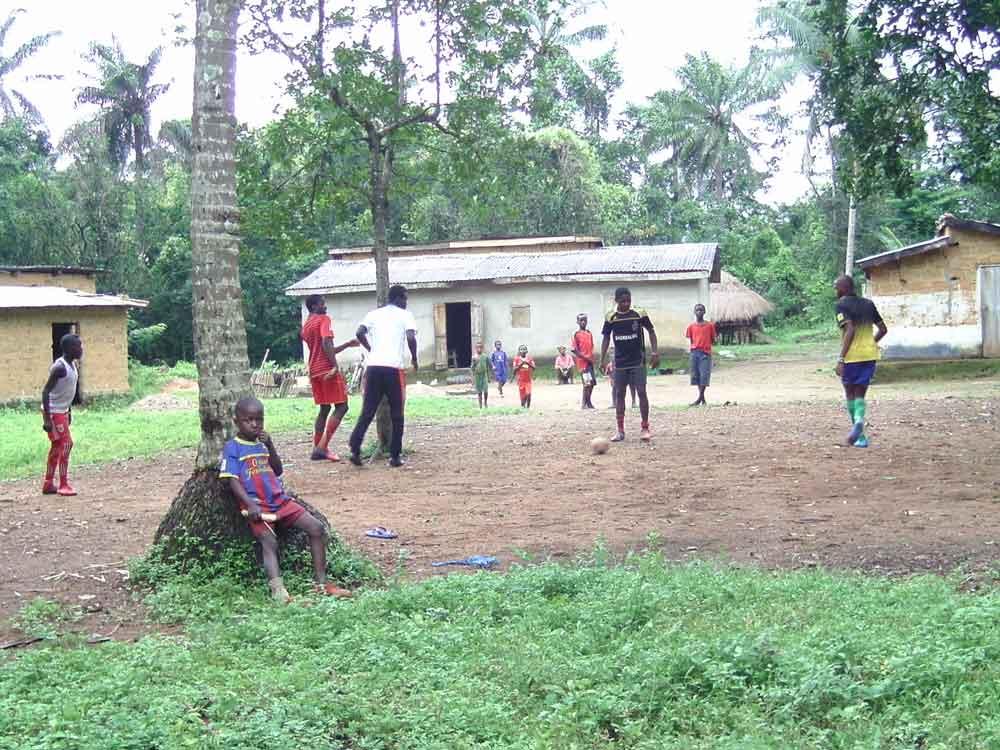 Les jeux des enfants en Guinée