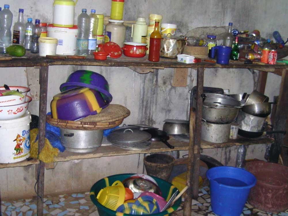 Une cuisine en ville en Guinée