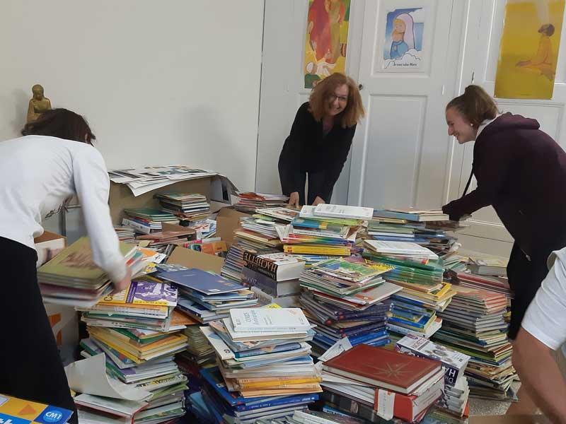 Don de livres de l'école Saint Vincent de Paul Arles